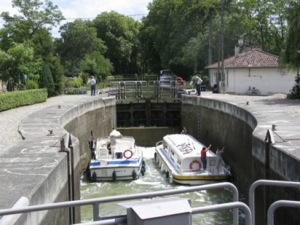 To the Castanet-Tolosan lock