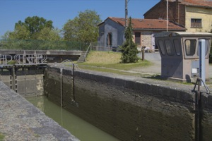 The lock of Lalande