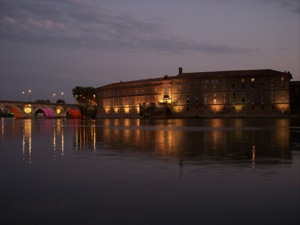 The hotel Dieu beside the Garonne